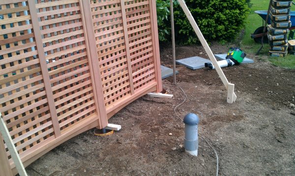 garden-trellis-set-up