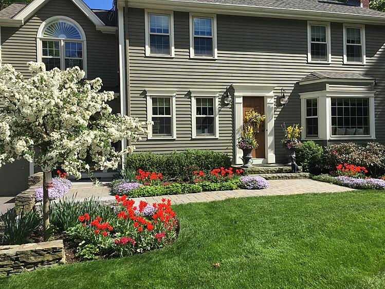 create-great-curb-appeal-with-these-landscape-tips.jpg