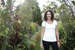 thumbnail-Monique-Allen-Headshot-in-a-Garden