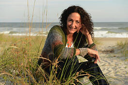 thumbnail-Monique-Allen-Headshot-on-Wrightsville-Beach
