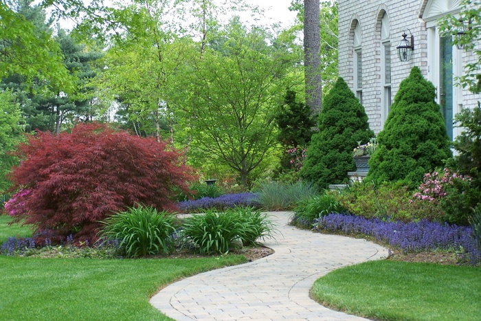 Tips For Creating Beautiful and Welcoming Front Walkways Your Visitors Are Sure to Envy