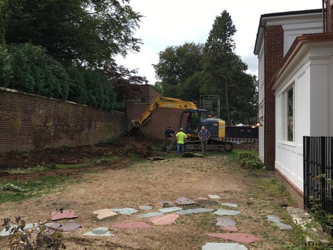 7-BEFORE-backyard-walkways.jpg