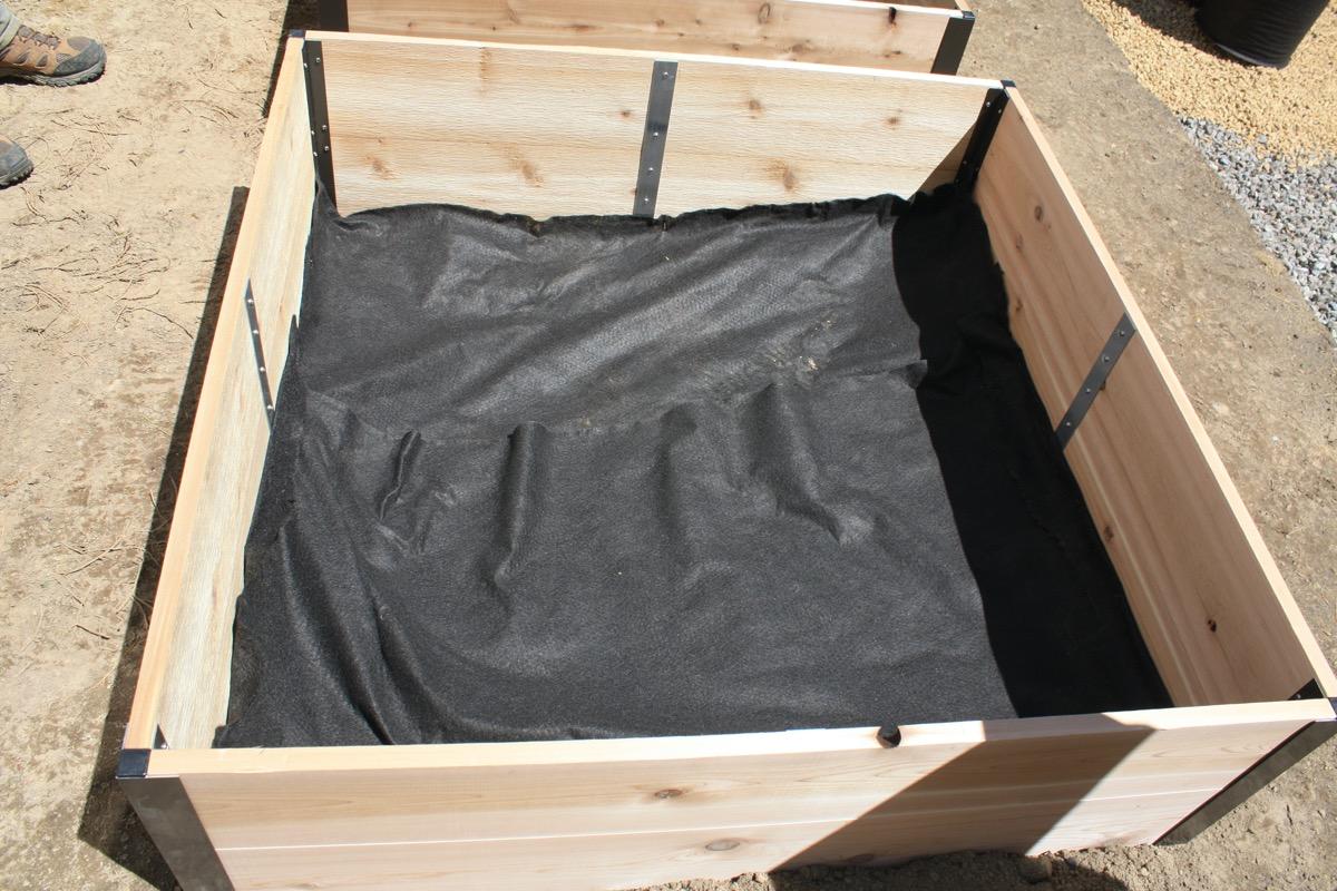 2-9-Installing-fabric-bottom-layer